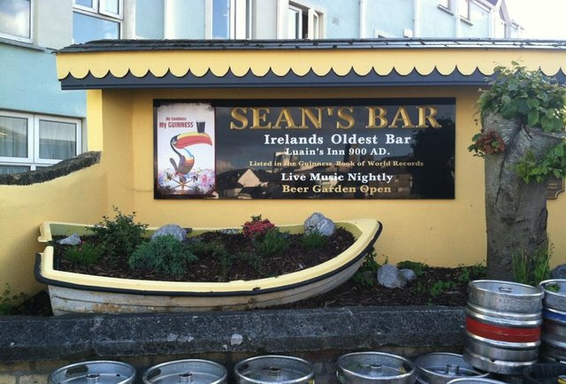 Sean\'s Bar