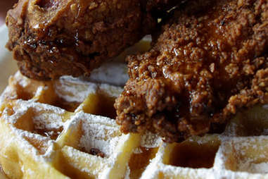 tupelo chicken and waffles