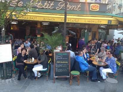 Cafe le Petit Pont Paris
