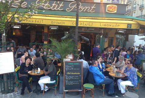 Cafe le Petit Pont Paris