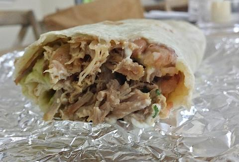 Super carnitas burrito