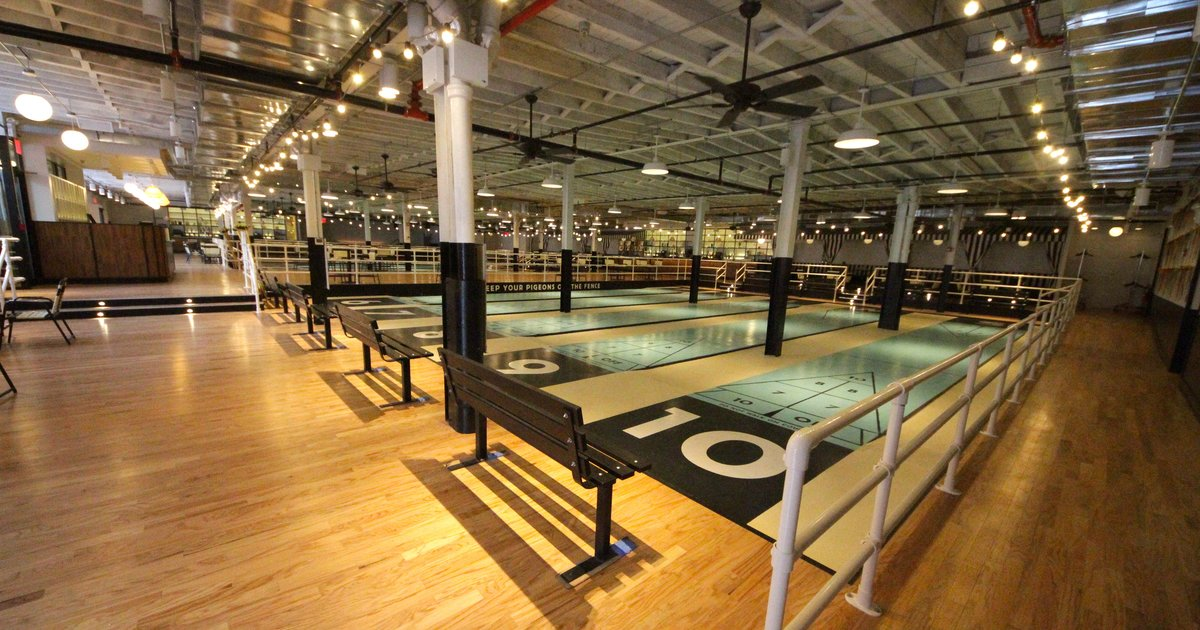 Shuffleboard Bar In Nyc The Royal Palms Shuffleboard Club In Gowanus Brooklyn Thrillist