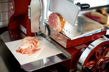 woodsman tavern meat