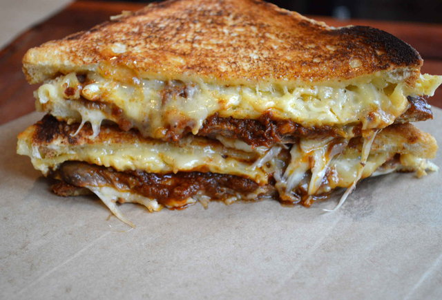 Fat Kid Fridays, January 2014 Edition: The month\'s most ridiculous eats, ranked by calorie content