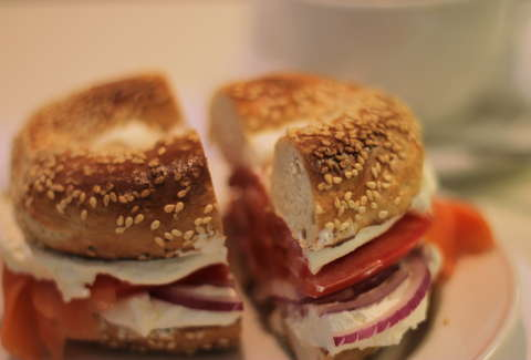 New york vs montreal bagels thrillist for Articles cuisine montreal