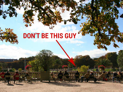 Don't ever be these 12 Paris tourists (... or the 1 local)