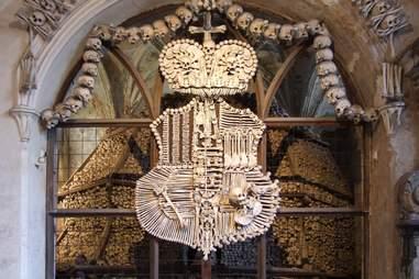 coat of arms bones