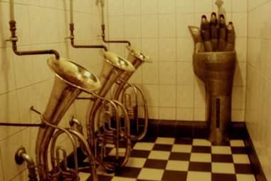Tuba toilet