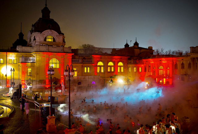 Screw hot tubs: Budapest\'s bath parties are the wildest water bashes in the world