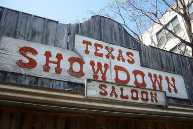 Texas Showdown Saloon