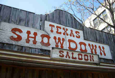 Texas Showdown Saloon