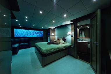 submarine bedroom