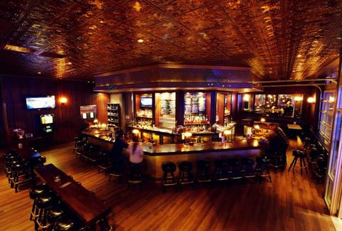 The 10 Best Whiskey Bars In La Thrillist Los Angeles