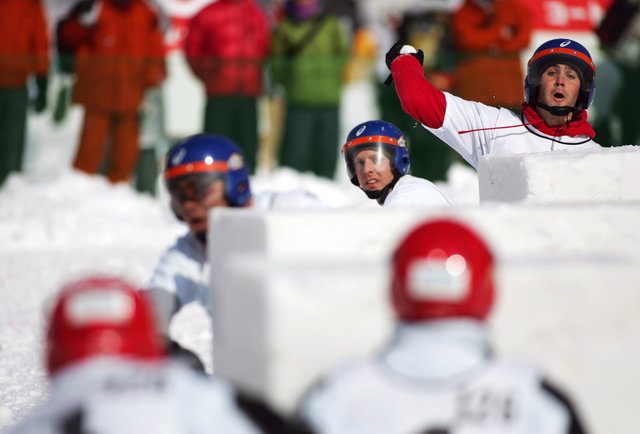 Japan\'s massive annual snowball fight