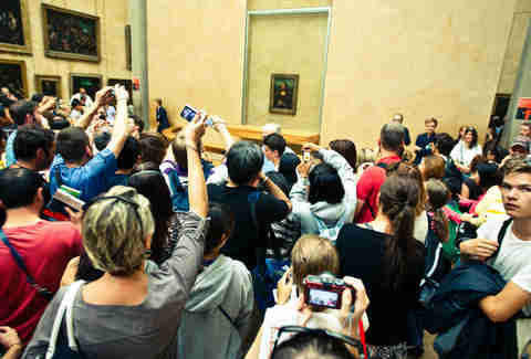 Crowd around the Mona Lisa