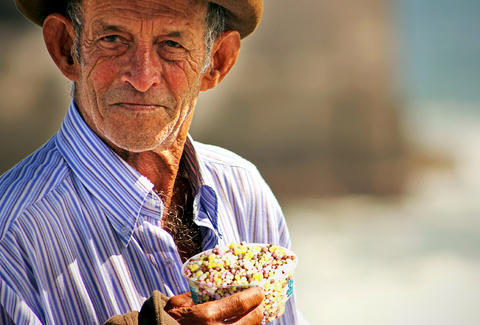 old man with dippin dots