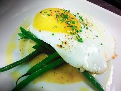eggs at bar ferdinand