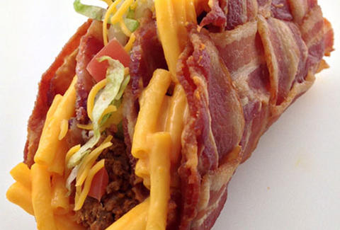 Double decker mac 'n cheese-stuffed bacon weave taco