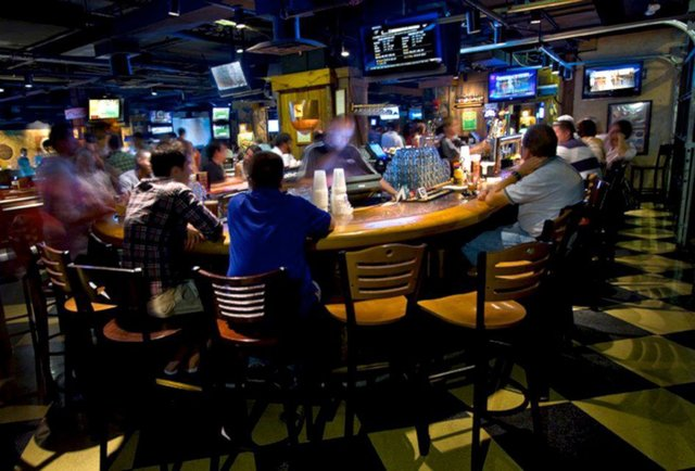 The 8 best sports bars for March Madness in DC - Thrillist ...