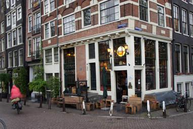 Café Papeneiland exterior