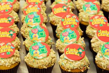 Cake Boss Lucky Charms cupcakes