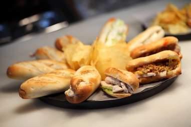 100 Montaditos sandwiches