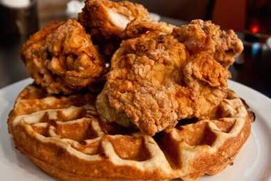 24 DINER CHICKEN WAFFLES