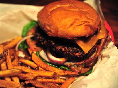 Under the radar burgers DEN