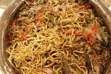 Larva Lo Mein