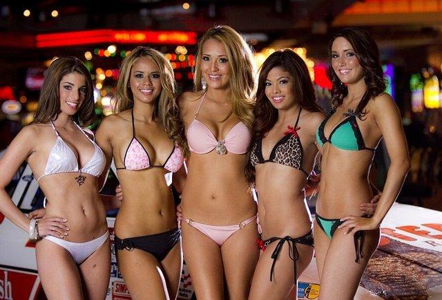 Bikini girl hooters pittsburgh promo