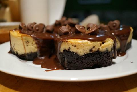 Peanut butter cheesecake with Oreo crust