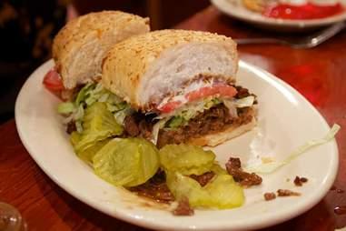 R & O roast beef sandwich