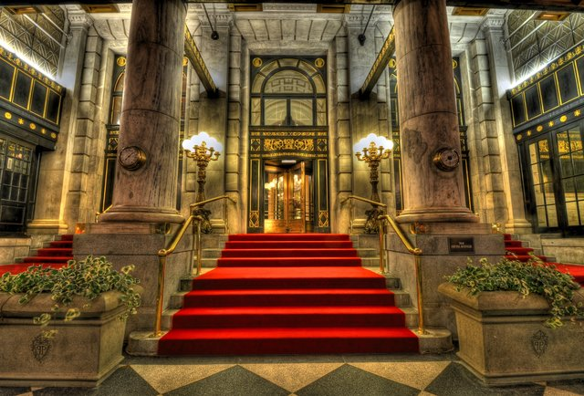 10 of the world\'s most iconic hotels