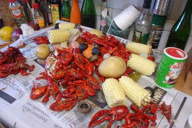 crawfish vegetables corn boil seafood potatoes sausage potato spicy mix