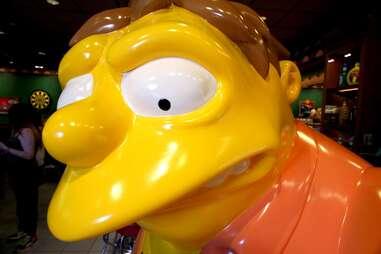 Barney Guble statue at Moe's Tavern at Universal Studios Orlando