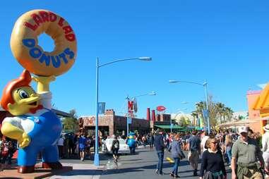 Springfield skyline at Moe's Tavern at Universal Studios Orlando