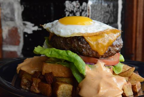 Shaw's Tavern Under the radar burgers DC