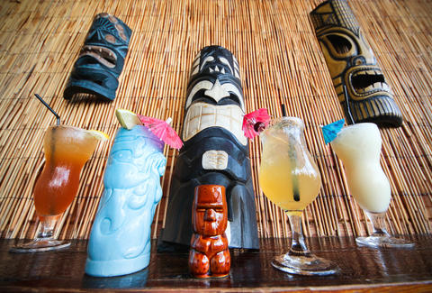 What Is A Tiki Bar Tiki History For Beginners Thrillist