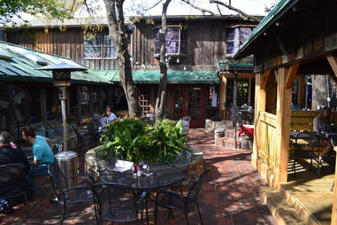 Ozona Grill & Bar Outdoor Drinking Guide DAL