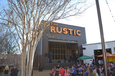The Rustic Outdoor Drinking Guide DAL