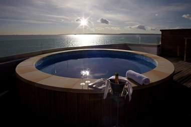Fort Spitbank hot tub