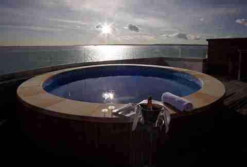 Fort Spitbank hot tub