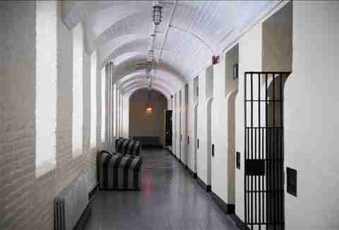 ottawa jail hostel