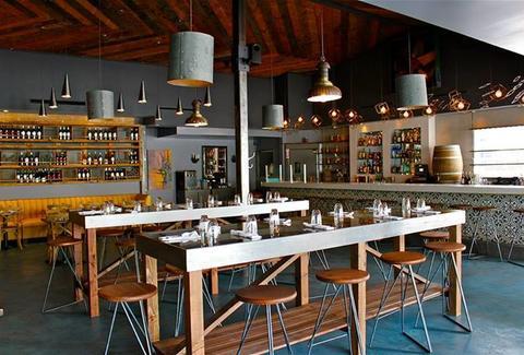 Madera Kitchen: A Los Angeles, CA Bar.