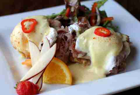 Boxwood Tap and Grill Best Brunch Dishes DAL