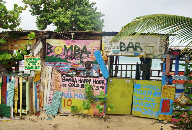 5 of the world\'s best beach bars