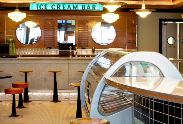 Boozy ice cream in Cole Valley