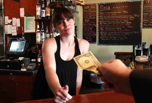 The ultimate guide to tipping everyone