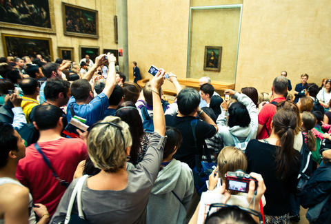 mona lisa crowd