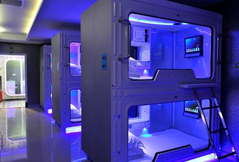 capsule hotel beds